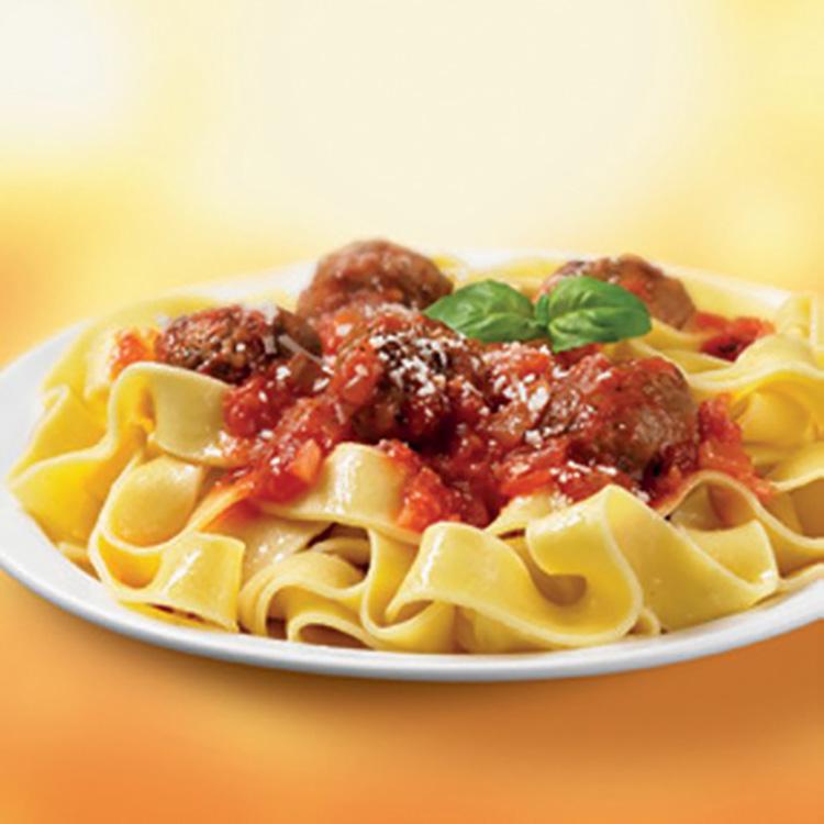 pasta med kødboller